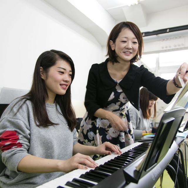 横浜高等教育専門学校 学校生活は学校の雰囲気で決まります。学校説明会へGO!2