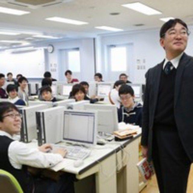 国際理工情報デザイン専門学校 【授業見学会】対象 : 情報システム科2
