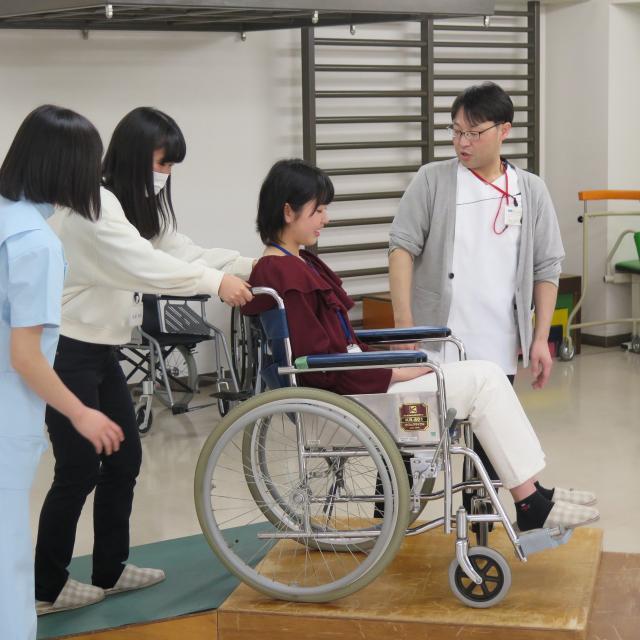国際医学技術専門学校 理学療法学科の体験入学!!2