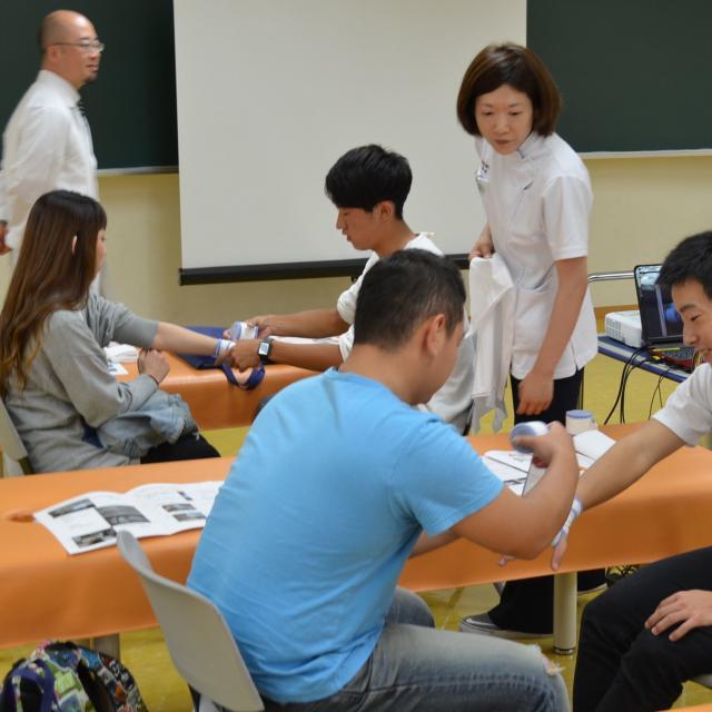 関西医療学園専門学校 子ども大好き!突然のけがや骨折に対応できる資格。2