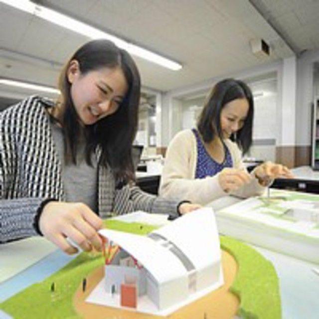 大阪建設専門学校 【建築・インテリア】建築模型の製作に挑戦1