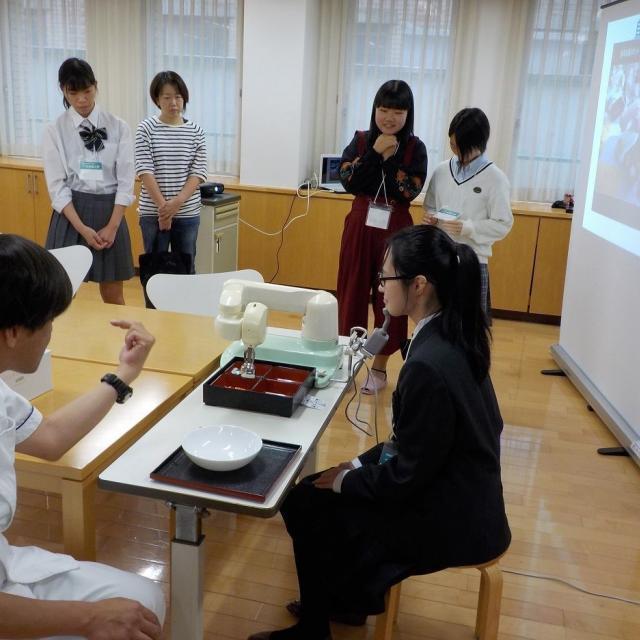 町田福祉保育専門学校 【介護】その人に合った福祉用具を作ろう / 入試相談会2