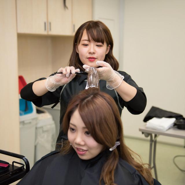 松本理容美容専門学校 マツビを知ろう いろいろな体験できます2