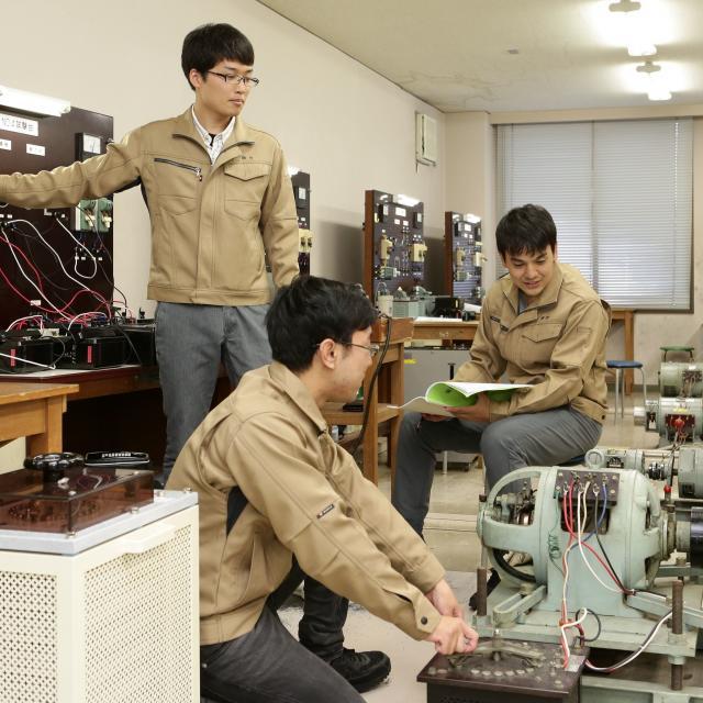 九州電気専門学校 【昼の学校説明会】電気機器や高電圧実験など模擬実験を見学!3