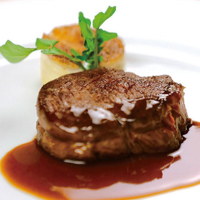 辻調理師専門学校 西洋料理「ステーキ」「季節のデザート」1