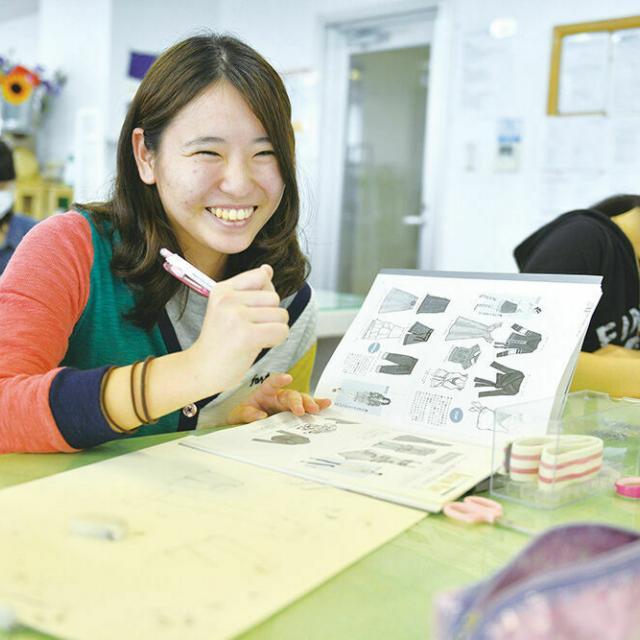 大阪デザイナー専門学校 【来校型】はじめてのファッションデザイン講座3