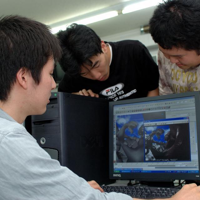大阪コンピュータ専門学校 最先端技術に触れよう!1