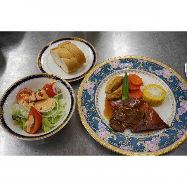 豊橋調理製菓専門学校 本格フレンチからカジュアル洋食まで体験できる!3