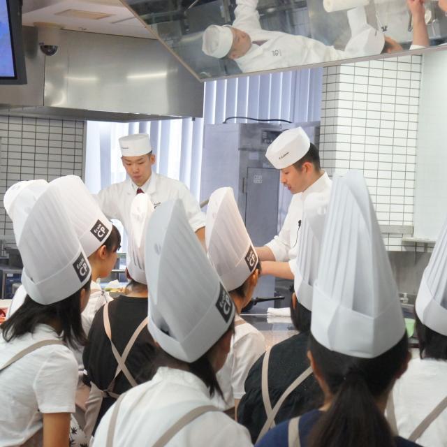 神戸国際調理製菓専門学校 ☆世界三大珍味の一つ☆「フォアグラ」のポアレ2