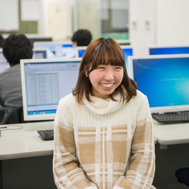 大阪情報専門学校 大卒資格が取れる!IT・ゲーム・事務を学んで就職力をつける!3