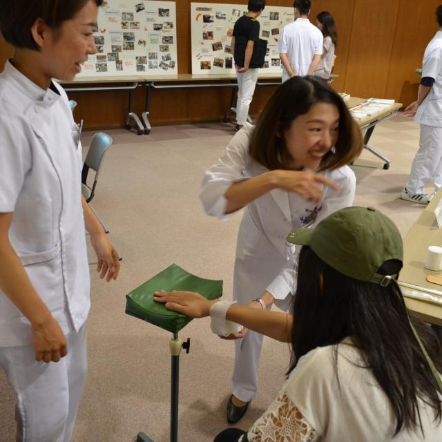 関西医療学園専門学校 子ども大好き!突然のけがや骨折に対応できる資格。4