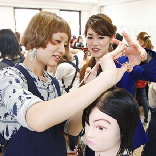 大阪ベルェベル美容専門学校 学生も教員も本気!大阪ベルのオープンキャンパス1