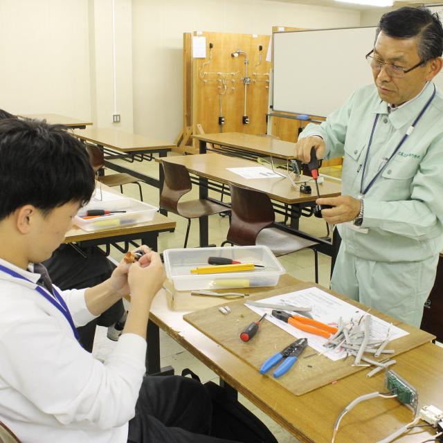 広島工業大学専門学校 クリエイティブな実習を体験しよう『All Day』1