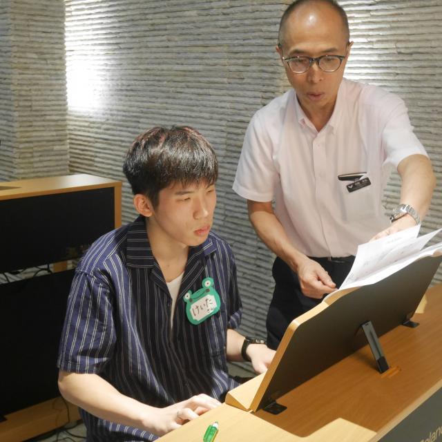 大阪健康ほいく専門学校 1対1レッスン♪ピアノ体験1