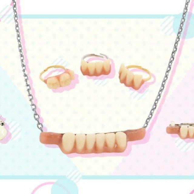 新東京歯科衛生士学校 歯のアクセサリー作り1
