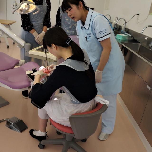 葵メディカルアカデミー <歯科衛生科>オープンキャンパス20183