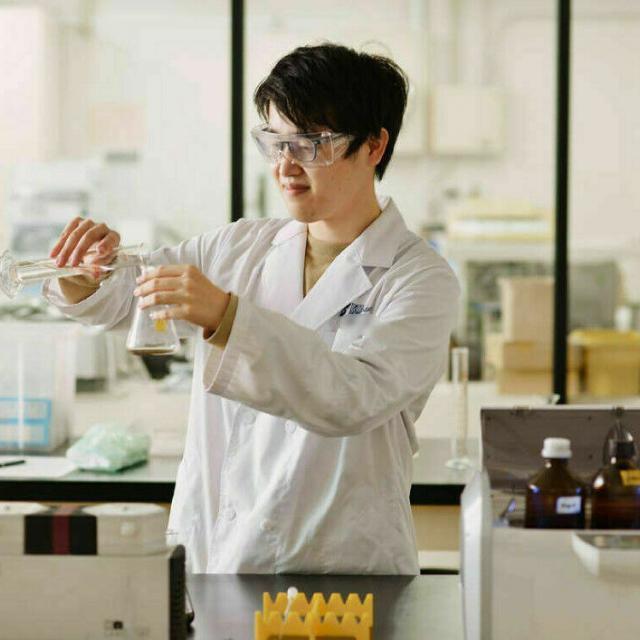 東京バイオテクノロジー専門学校 【化学コース】オープンキャンパス:バイオのコース体験2