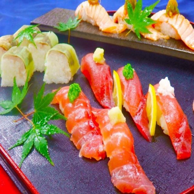 山手調理製菓専門学校 【日本料理】マグロと炙りサーモンの寿司1
