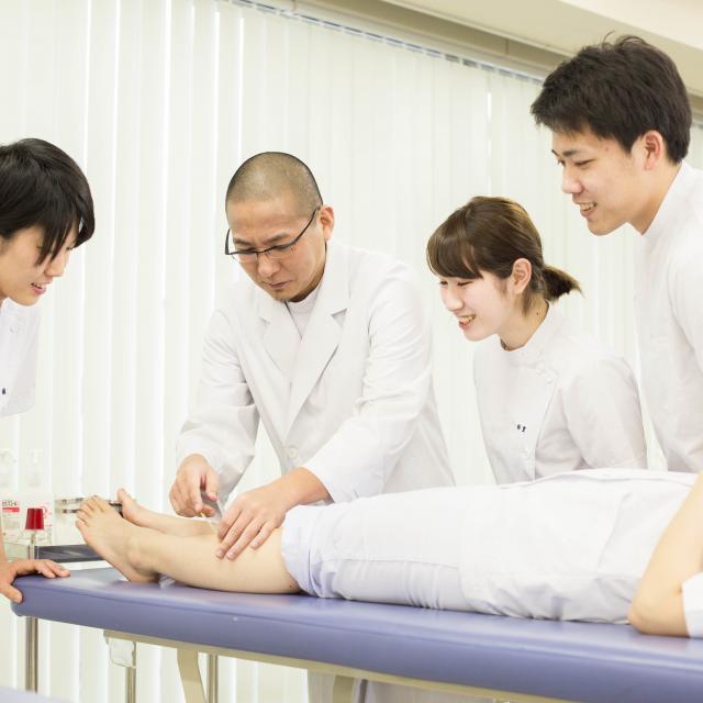 東京衛生学園専門学校 鍼灸治療の現場を見学! 治療見学会3