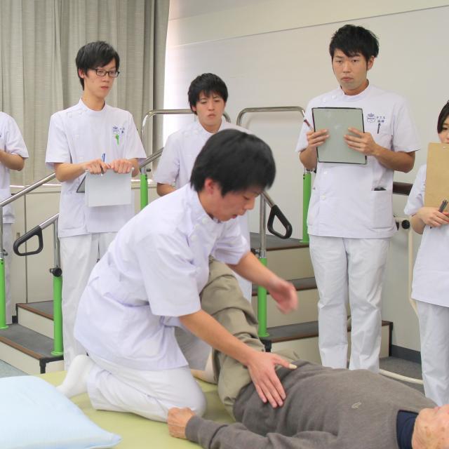 阪奈中央リハビリテーション専門学校 リハビリ現場見学会3