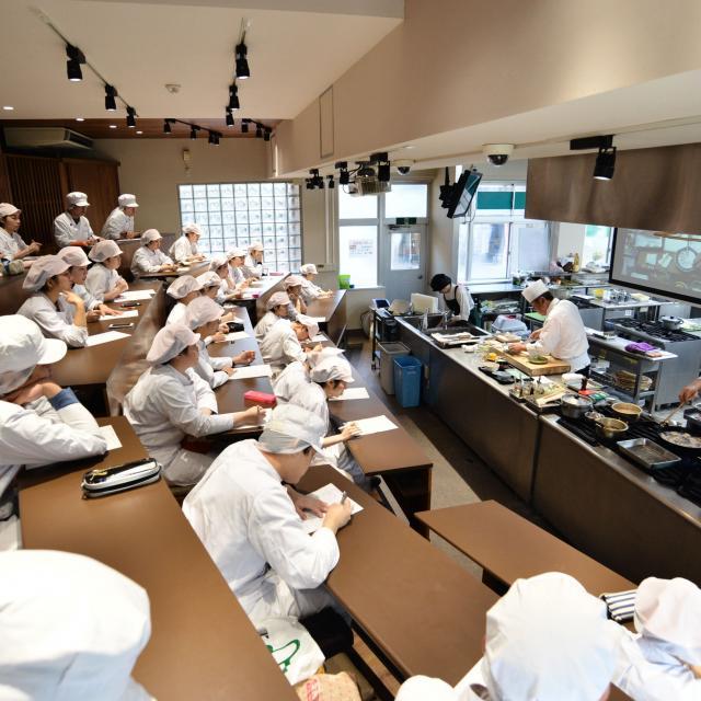 東京栄養食糧専門学校 どんな授業か見てみよう3