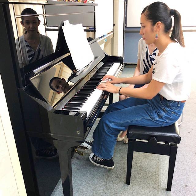 東京福祉保育専門学校 『魔法のピアノレッスン』たった60分で両手弾きができます♪4