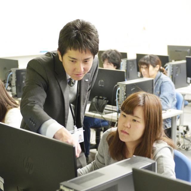 東海工業専門学校金山校 D:インテリア設計コース2