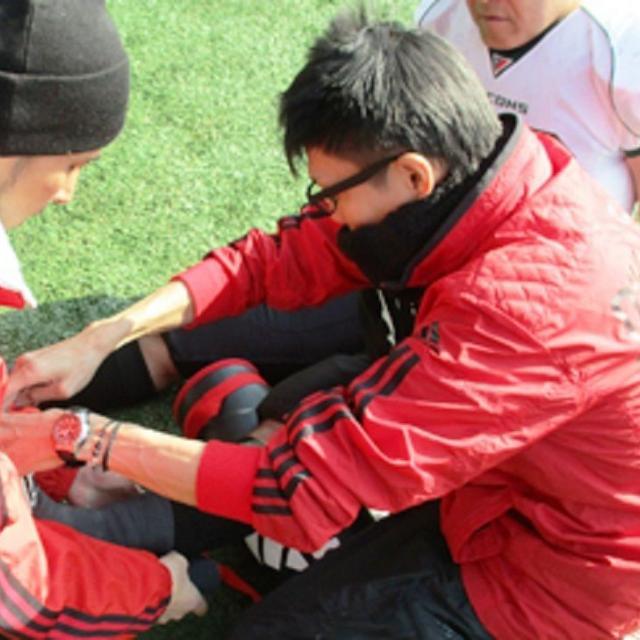 日本医学柔整鍼灸専門学校 スポーツ現場でのケガの応急処置を学ぶ1