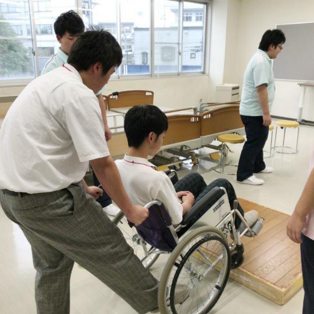 盛岡医療福祉専門学校 【介護福祉士】に興味ある方こちらへ★3