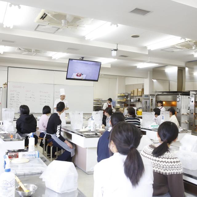 滋賀短期大学 12/8★生活学科 製菓・製パンコース体験授業4