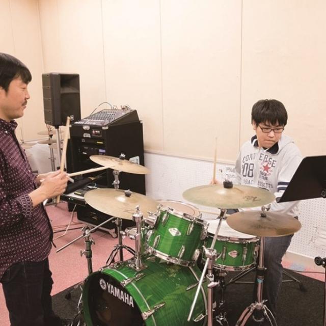 キャットミュージックカレッジ専門学校 ドラム専攻●3