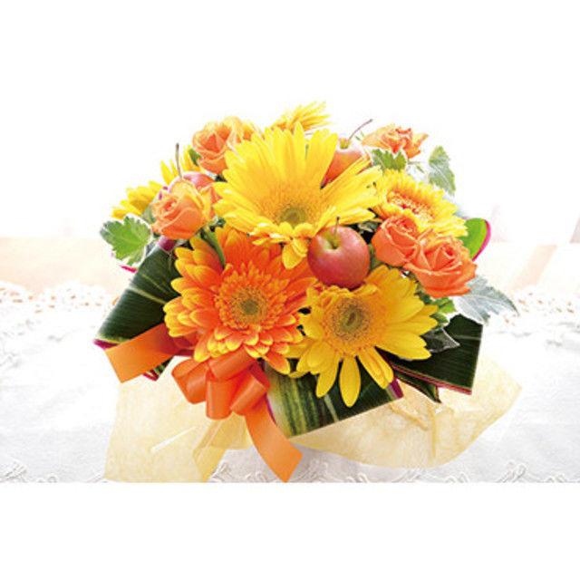専門学校名古屋ウェディング&フラワー・ビューティ学院 季節のお花をぎゅっと束ねたブーケ風花束作り♪1