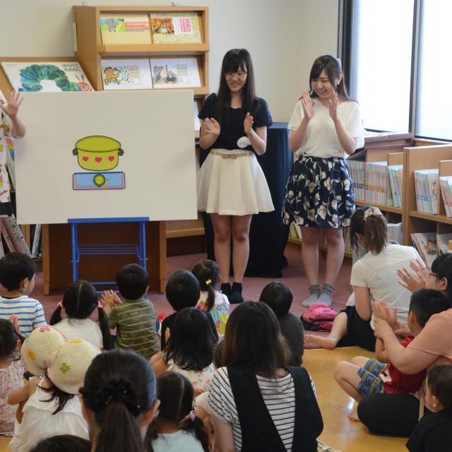 埼玉東萌短期大学 手遊び、スキンシップ遊びでみんな笑顔になっちゃおう!3