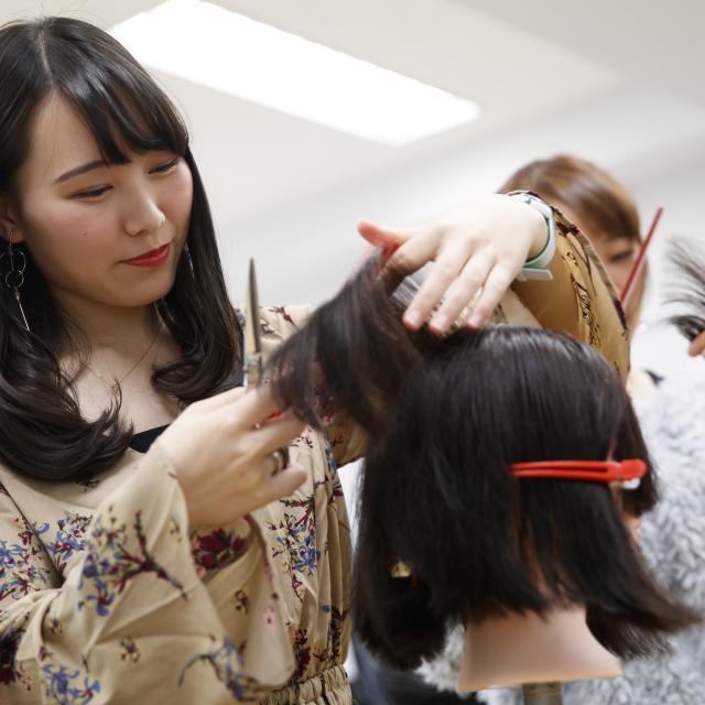 熊本ベルェベル美容専門学校 あなたの興味がぐっと広がる・深まる!~選べる4つのメニュー~2