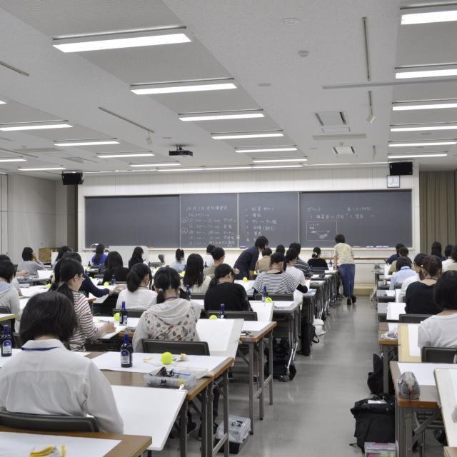 嵯峨美術短期大学 入試対策実技講習会4