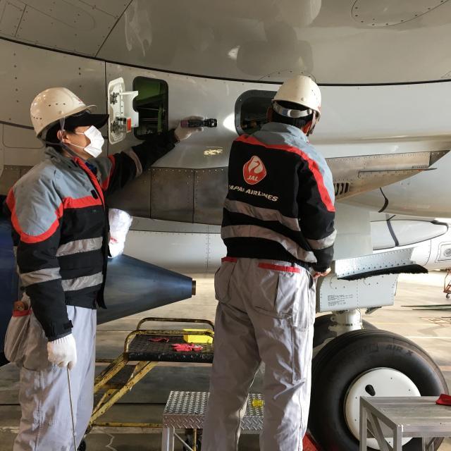中日本航空専門学校 航空整備の現場を見てみよう!大阪国際空港でCNAスクール開催!2
