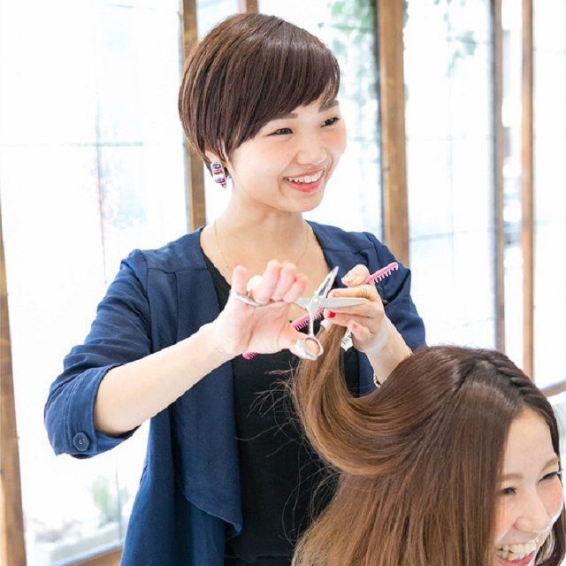 大阪ベルェベル美容専門学校 ヘアカットやメイクやネイルも!一日美容師体験♪3