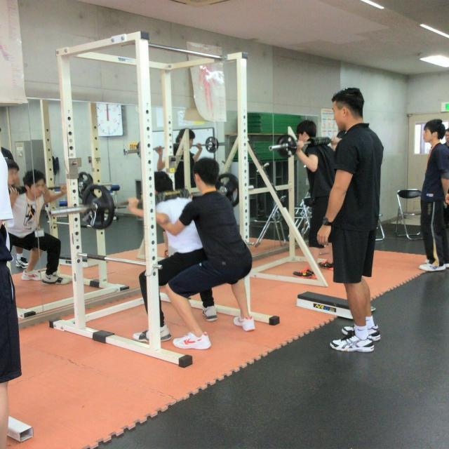 大阪社体スポーツ専門学校 ★トレーニングの体験授業★2