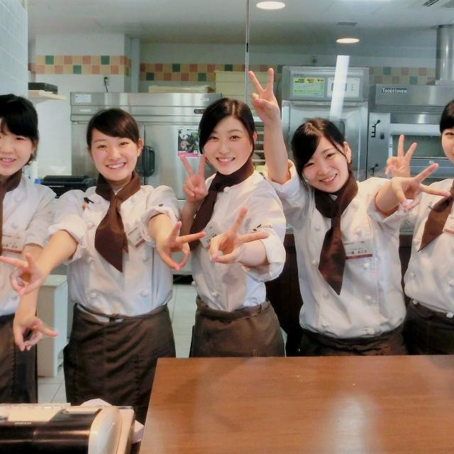 町田製菓専門学校 【選択制】秋を感じるフランス伝統菓子~リンゴのミルリトン~3
