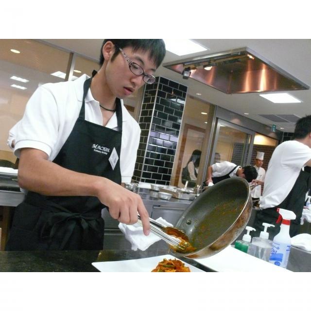 町田調理師専門学校 「ジュワッとスープにモチっと食感」〈小籠包&鍋貼餃子〉3