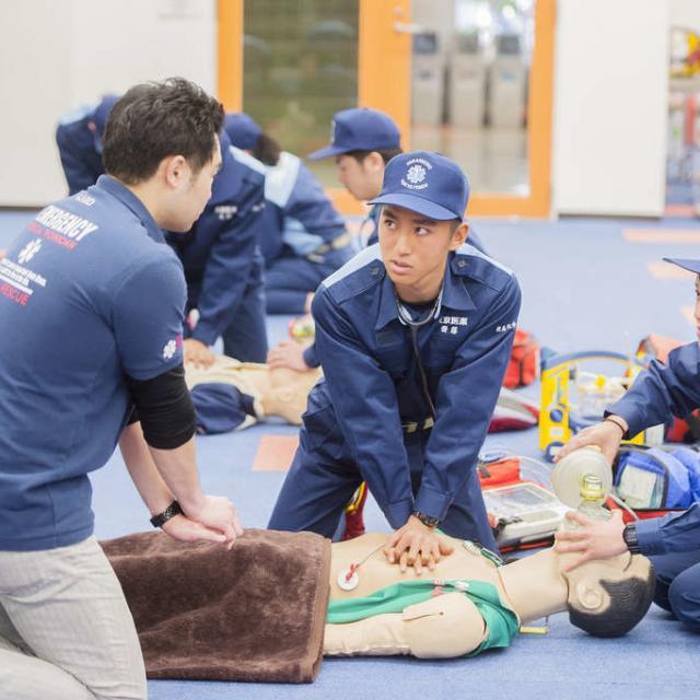 東京医薬専門学校 救急救命士をめざすあなた!救命処置を体験してみよう!4