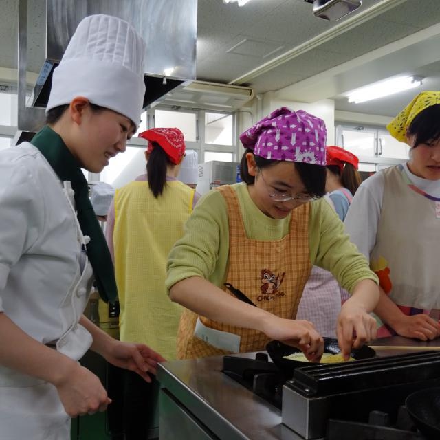 菜園調理師専門学校 ★クリスマス特集★第1弾「海老クリームのパイ包み&ステーキ」3
