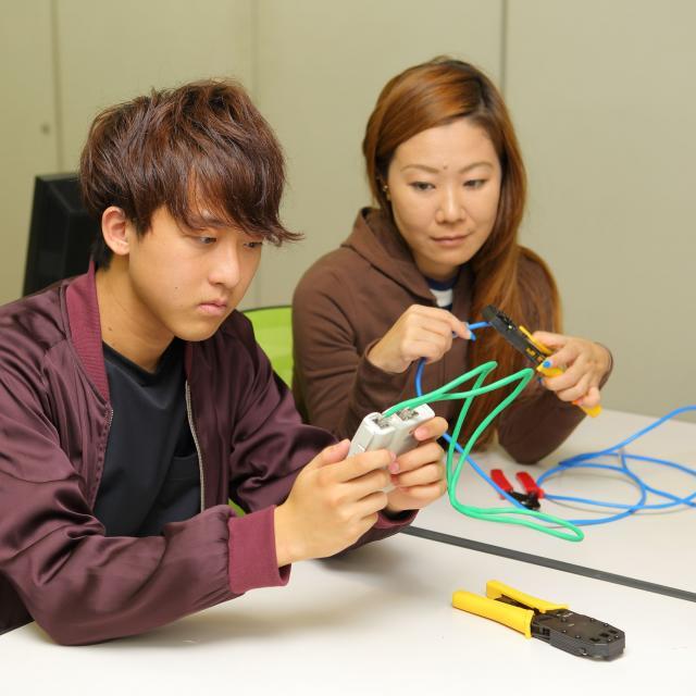 日本コンピュータ専門学校 ネットワーク実機を使てネットワーク構築に挑戦!3
