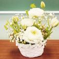 大阪ビジネスカレッジ専門学校 お花大好き!ホワイト系でまとめたフラワーアレンジメント