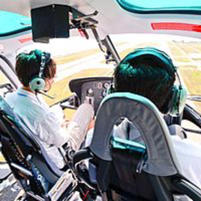 大阪航空専門学校 ★パイロットを目指そう★ 神戸エアセンターで訓練実機見学!1