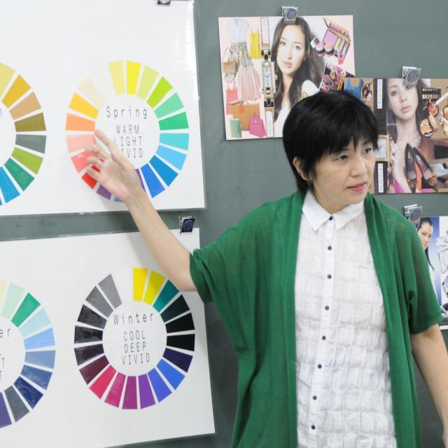 マロニエファッションデザイン専門学校 平日【オンライン】学校見学2