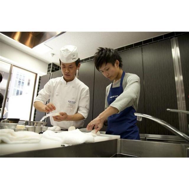 町田調理師専門学校 「フワトロ感が絶妙!」〈半熟タマゴのオムハヤシライス〉3