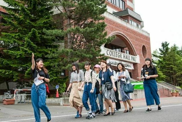 北翔大学 【芸術学科】5つの分野から専門性の学びを深める!3