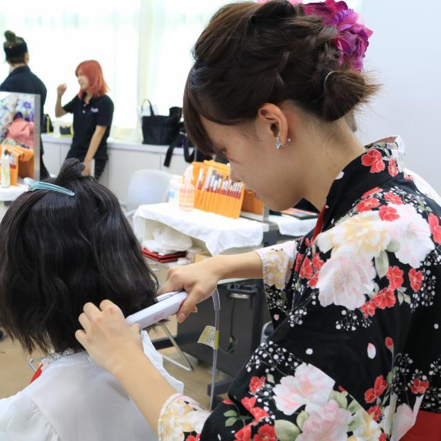 名古屋理容美容専門学校 ゆかたに似合うヘアアレンジ2