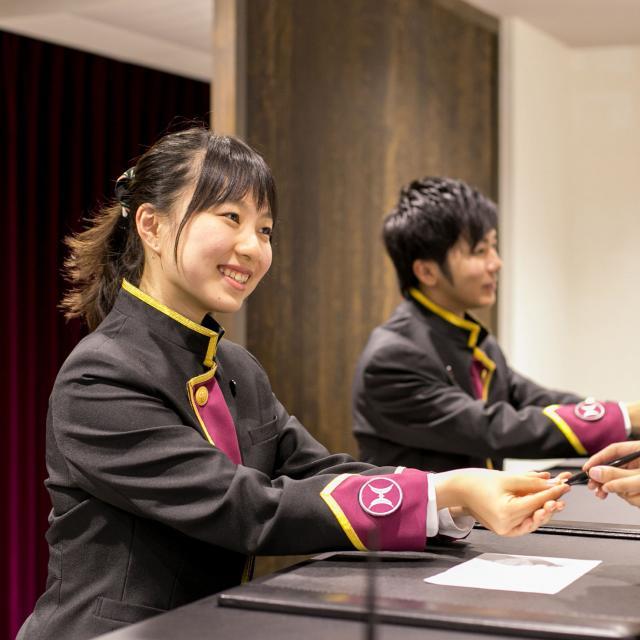 大阪ウェディング&ホテル・観光専門学校 60分じっくりホテルフロント・ベル体験!1